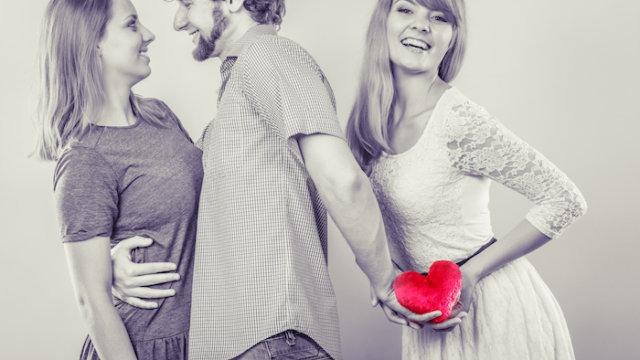婚活パーティーで既婚者に出会ってしまった場合の対処法と見分け方