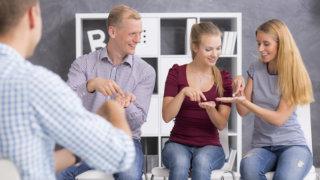 婚活パーティーの参加頻度と「常連客」にならないための心得。少ない参加回数で理想の異性と結ばれよう