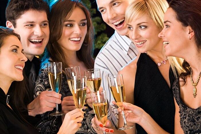 大学生の婚活パーティーの選び方