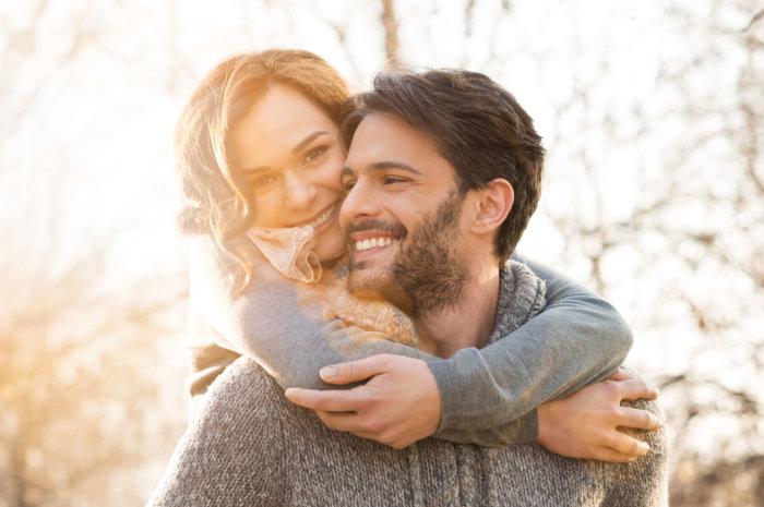 結婚すると幸せになれるのか?