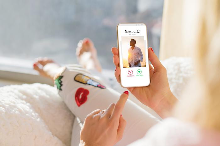 忙しい30代に婚活サイト・アプリがおすすめの理由
